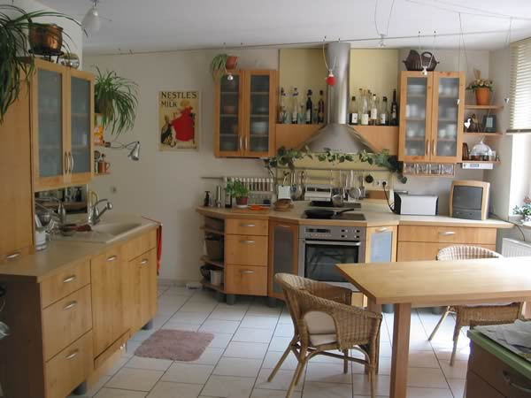 Vergrößerte ansicht der küche von bcs möbelwerkstätten zurück